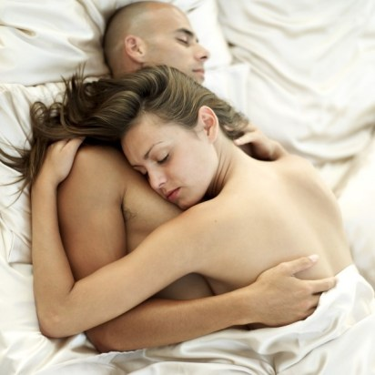 sleeping-naked